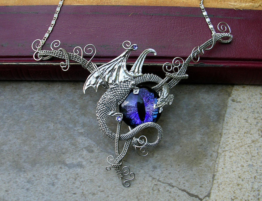 Wire Wrap Leak : Wire wrap dragon with super color shift eye by