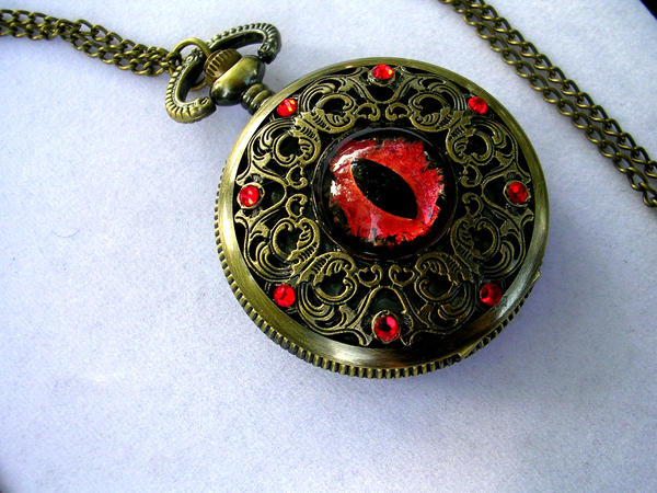 Vampire Blood Dragon Eye - Functional Watch by LadyPirotessa