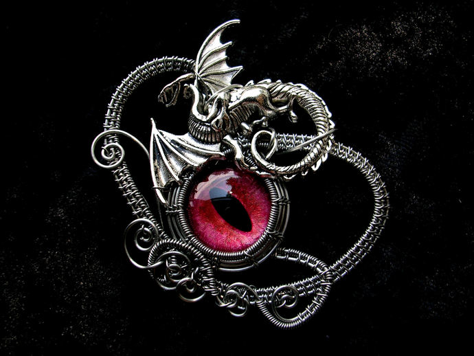 and fantasy inspired larp dragon pendant thrones house red of targaryen game necklace daenerys