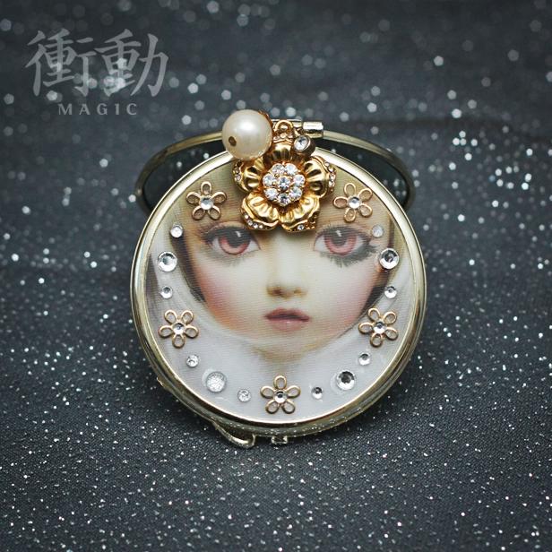 Gold Deco Mirror Doll Face by shoudoumagic