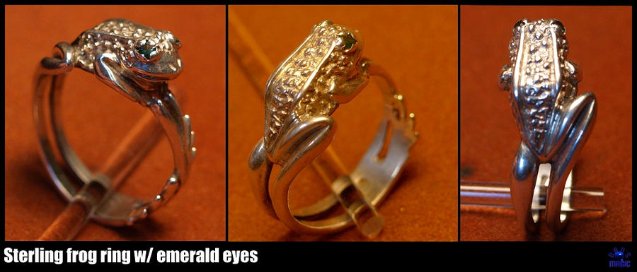 frog ring with emerald eyes by Dans-Magic