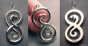 Elegant snake pendant