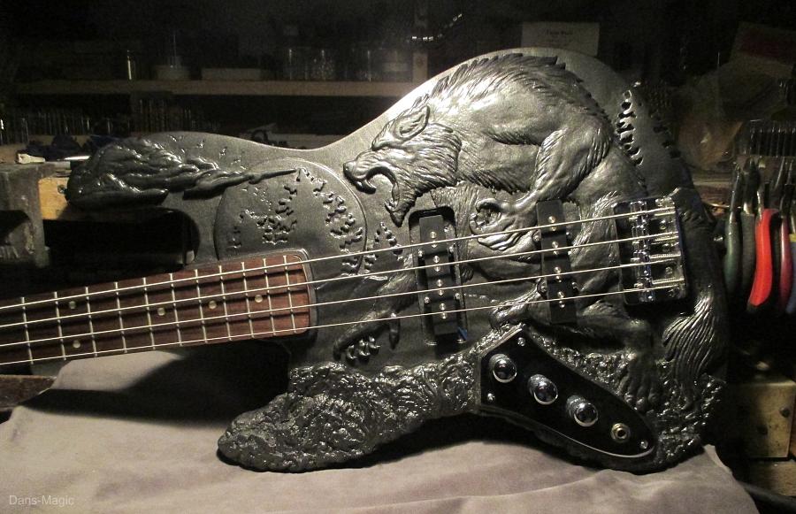 Werewolf Bass guitar - Complete - Body shot by Dans-Magic