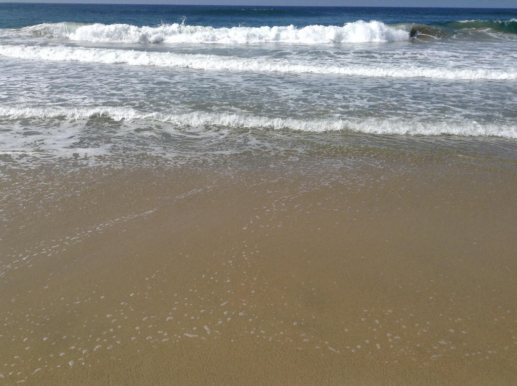 Beach Day by Rapunzel13