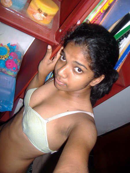 Srilanka girls boobs what