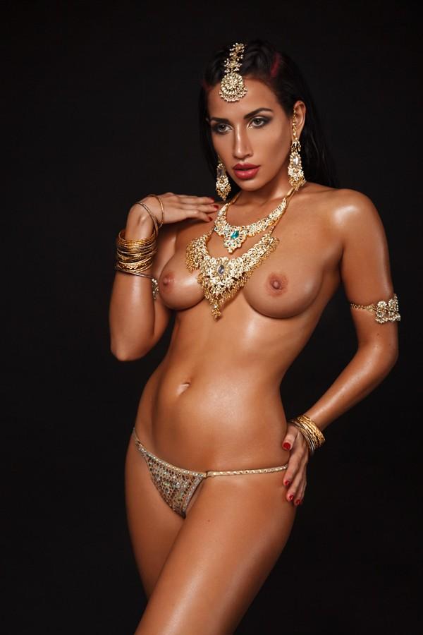 from Amari nude girls in jewelry