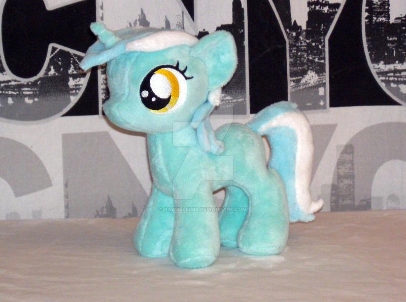 Filly Lyra by RazielleDbx