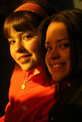 Maripaz y Mariana by victorkuri
