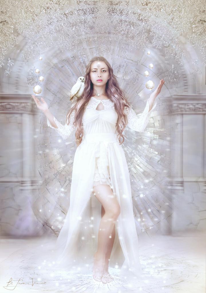 Snow-Queen by BellaSanggre