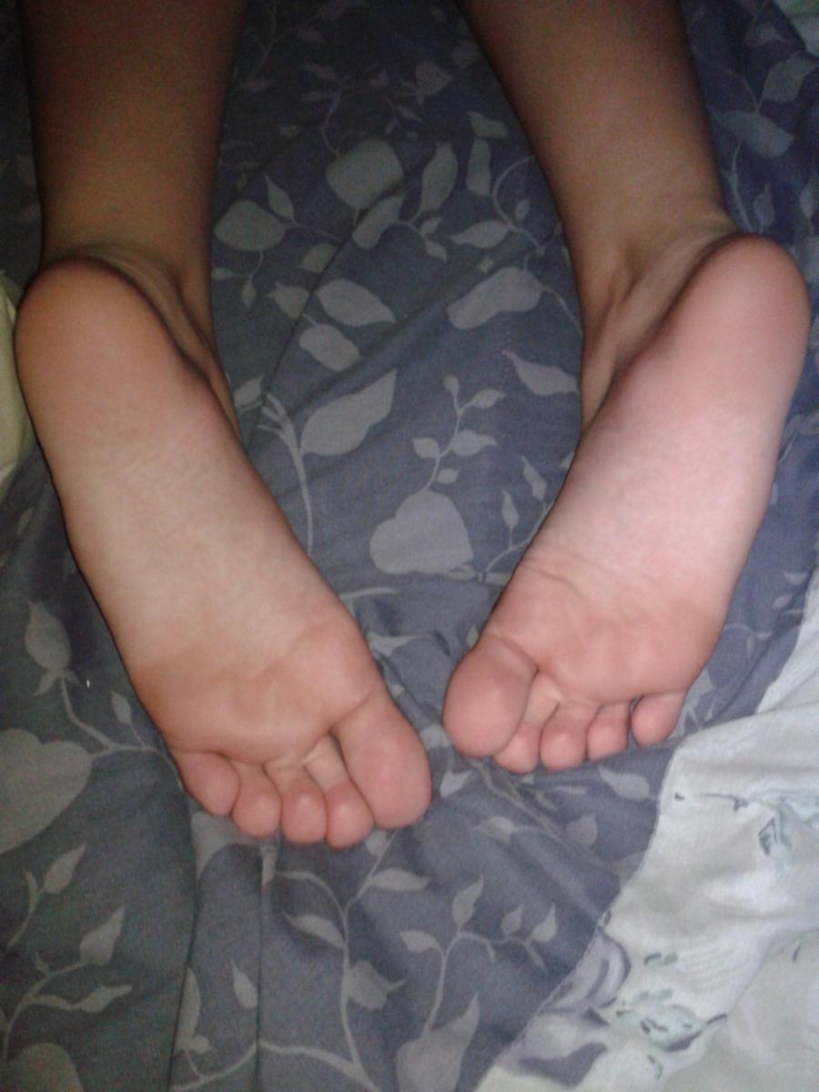 For Sleeping Teen Feet 26