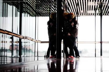 Mirror kisses by Hubedihubbe