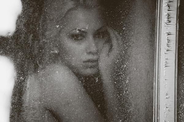 Grey by SimoneCz