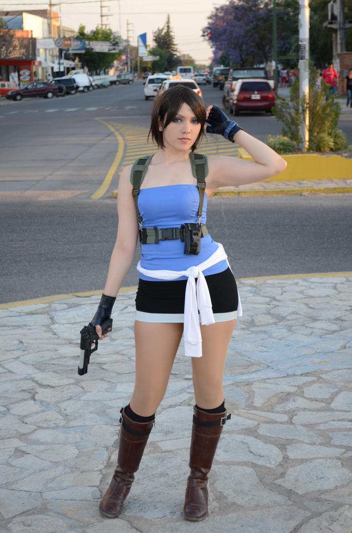 [Image: jill_valentine_looking_by_tify_diamond-d8hg825.jpg]