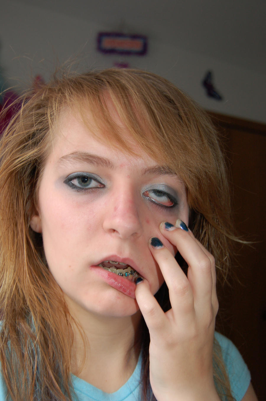 Robo Girl 16 - Face Melting