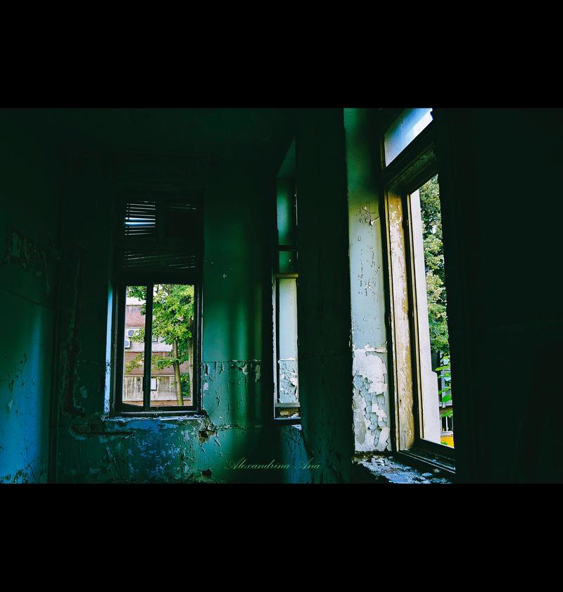Pale September by AlexandrinaAna