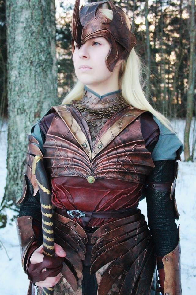 Elf in shiny armor by Wihelmi