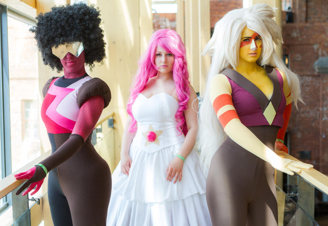 The most epic pic of our Steven Universe cosplays from last summer's Desucon. Garnet - Anzqq Jasper - Elli-chan Rose Quartz - Wilma Cosplay Photo by Mira Strengell Photography