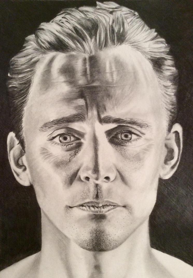 Tom Hiddleston by frankiem05