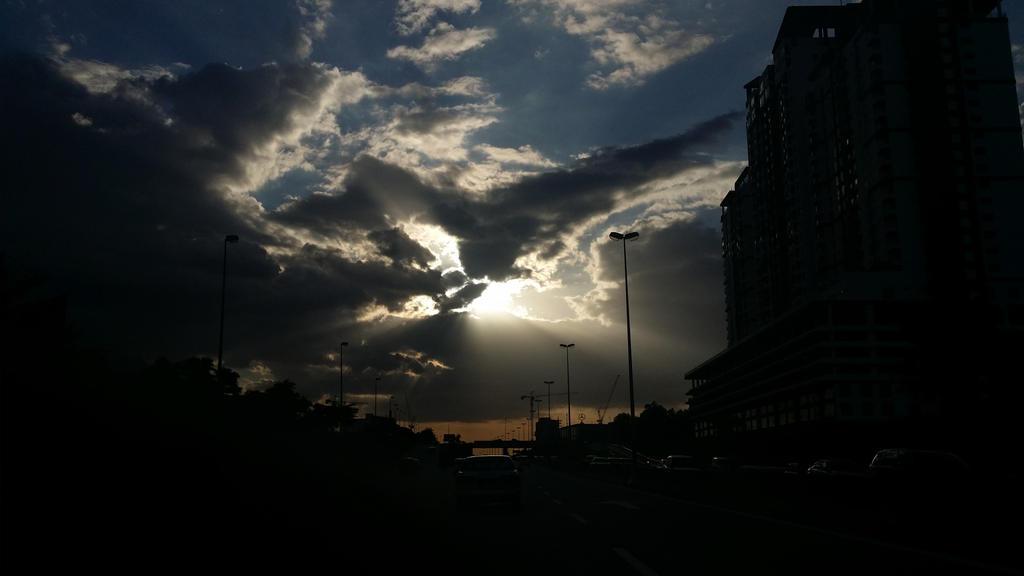 Heaven's Light by ILICarrieDoll