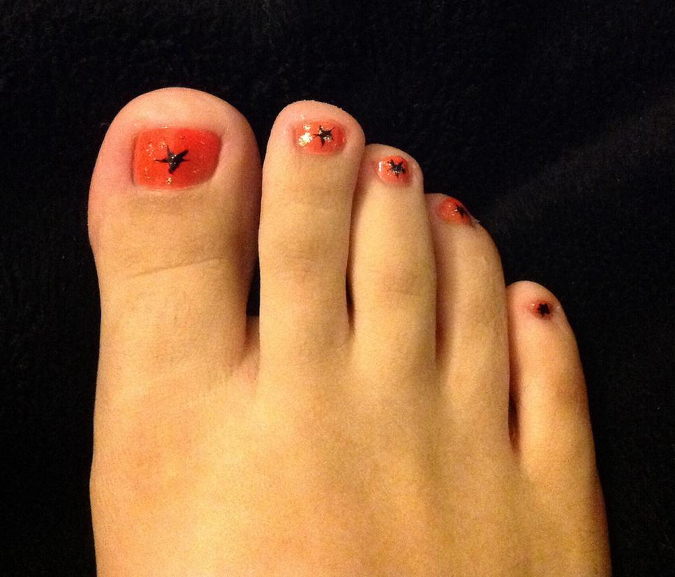 Halloween toenails