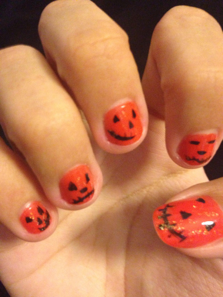 Pumpkin nails by Prince5s