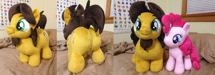 Alex the Plushie Pony (made by fireflytwinkletoes)