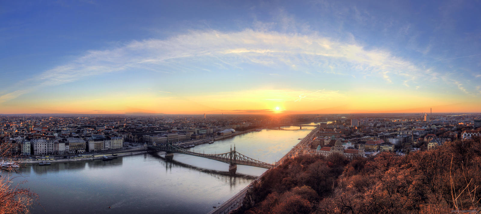 Good morning Sun, Budapest, Hungary by FlawlessMonkey