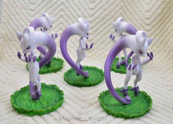 Pokemon Mega Mewtwo Y Figure 2