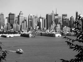 Welcome To New York 05 by ISeeMyWorldInACamera