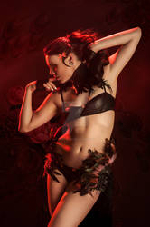 Model Isabel Vinson shot by Raven Macabre Photo