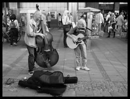 Street musician by Simandi