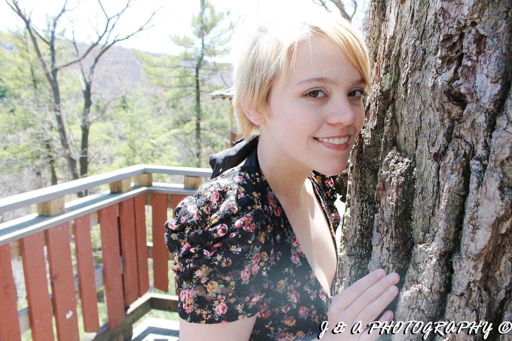Megan 32 by thinminmeg