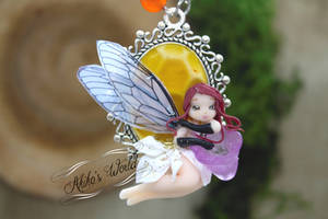 Fantasy redhead chi-bee fairy on her beehive cameo