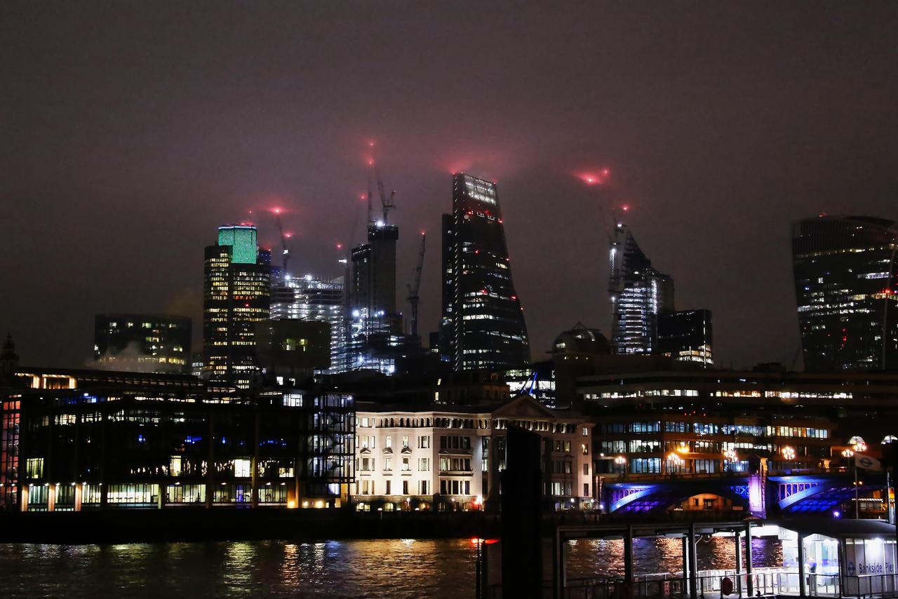 Foggy Night in London by AKrukowska