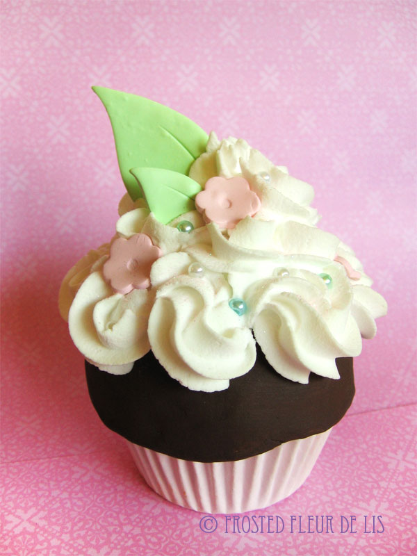 Sakura Cupcake by FrostedFleurdeLis