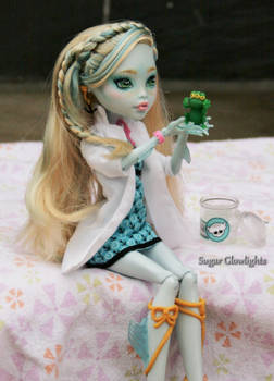 Monster High Mad Science Lagoona repaint