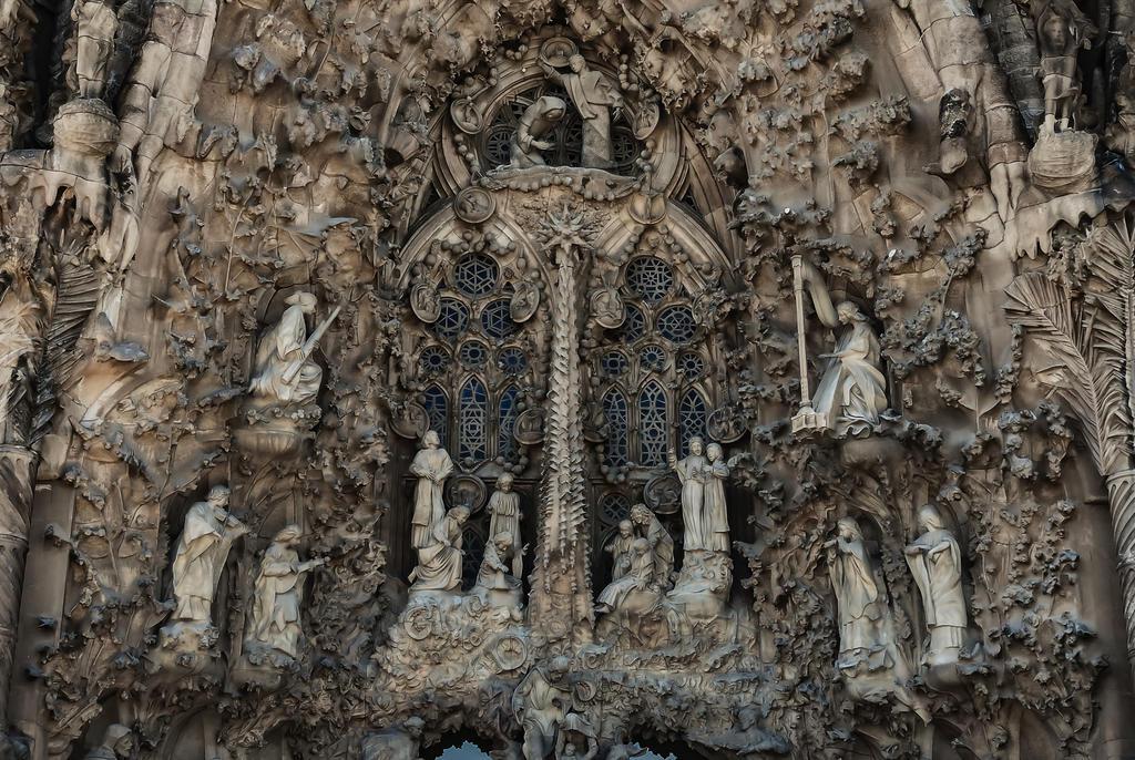Sagrada familia by 4ga on deviantart - Estilo sagrada familia ...