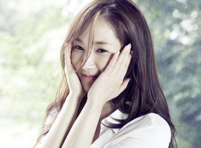 Park Min Young3 by KaizenKitty