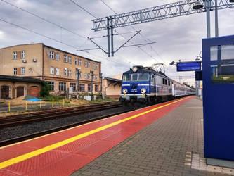 Polish train EP07 362