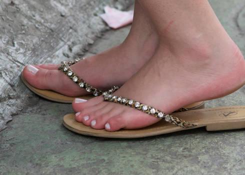 Sexy pale feet