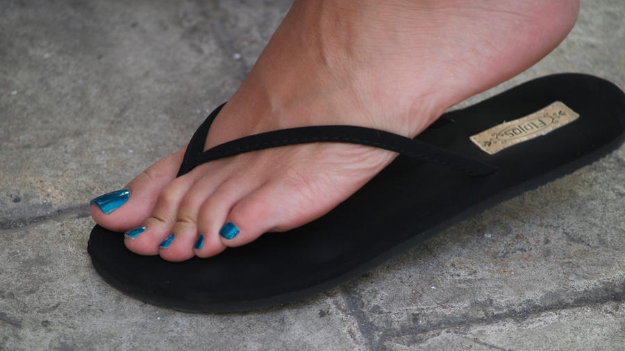 Sexy toes black flip flops confirm. All