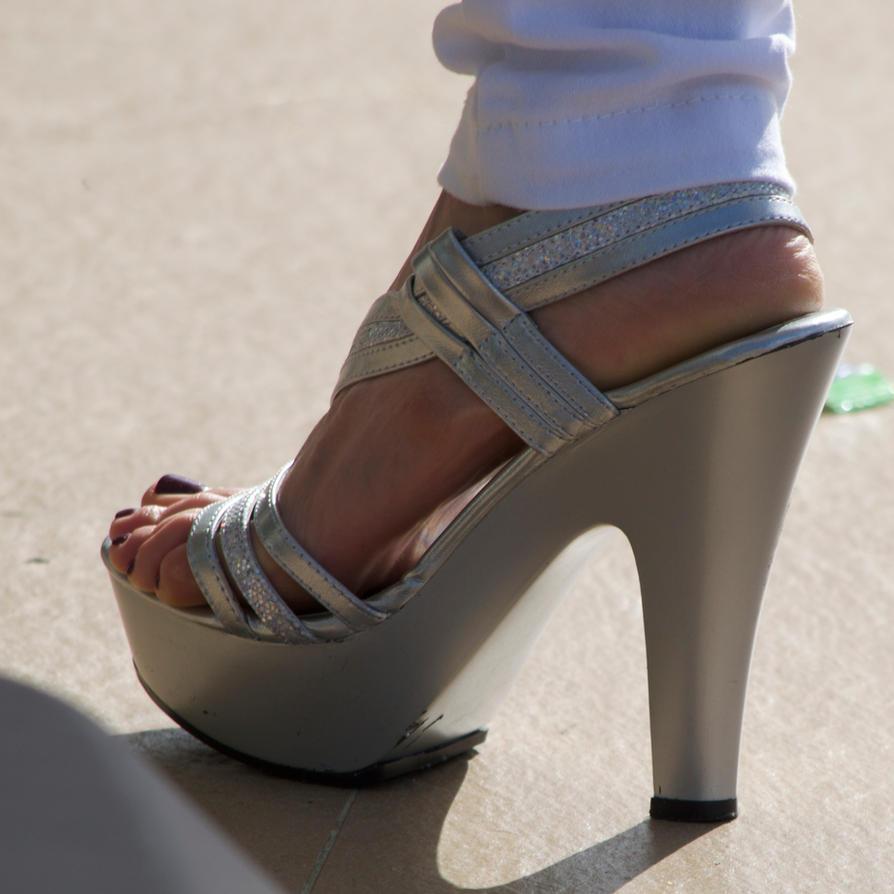 Roxy's Purple Toes In Silver Heels 7 By Feetatjoes On