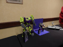 Dealer Room Opening at TFCON 16.23