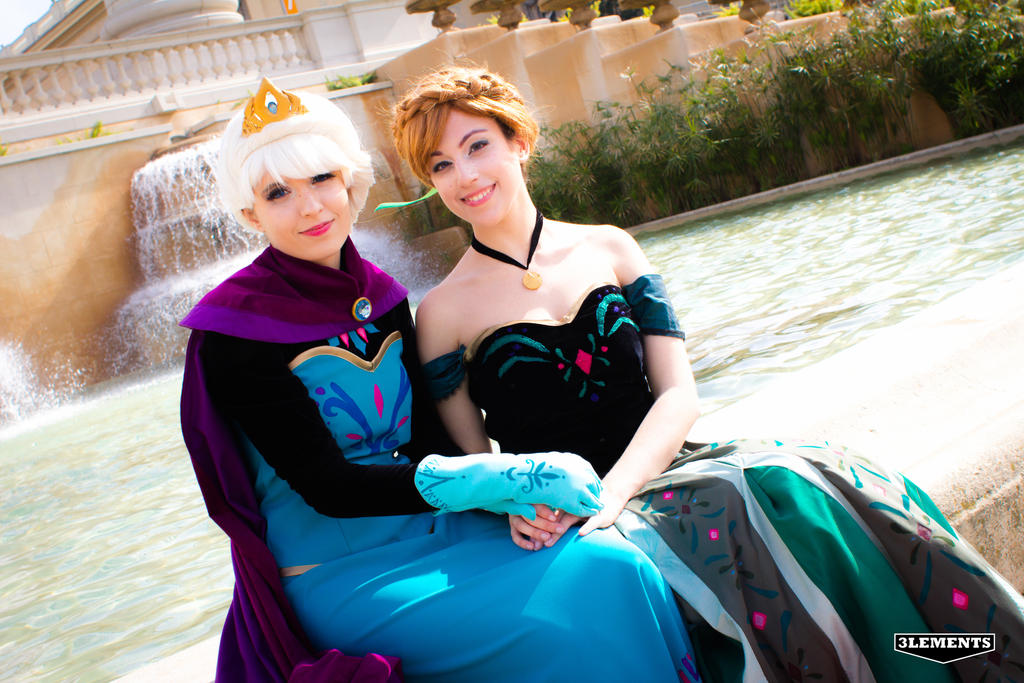 Elsa and Anna, Frozen (Coronation) by Doriri-chan