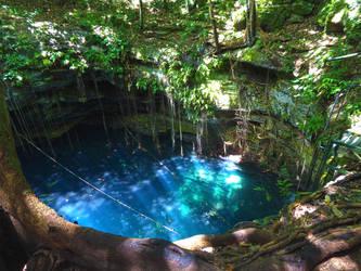 Cenote Lol-Ha by Galmich
