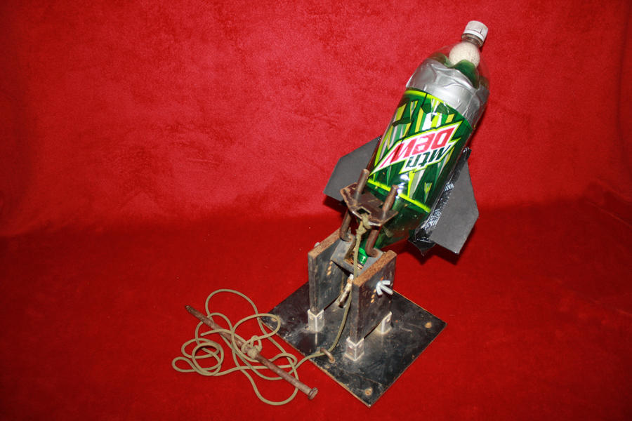 how to make a bottle rocket launcher