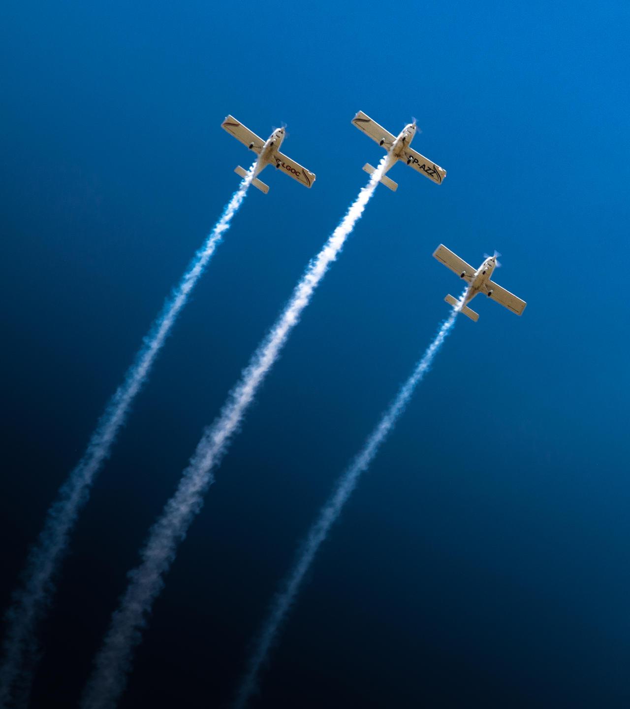 just three of us and deep deep ocean of sky by ateist-kleranty