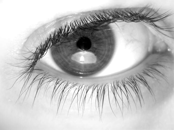 Ojos en blanco y negro imagui - Blanco y negro paint ...