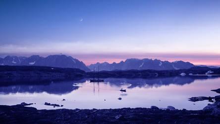 Light of dawn by Ellysiumn
