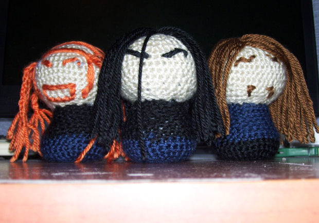 Crochetklok Part I by Dyelshi